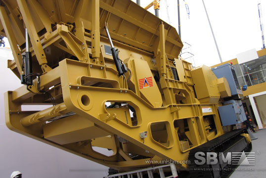 track mounted crushing plant 4