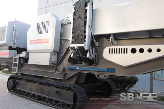 track mounted crushing plant 8